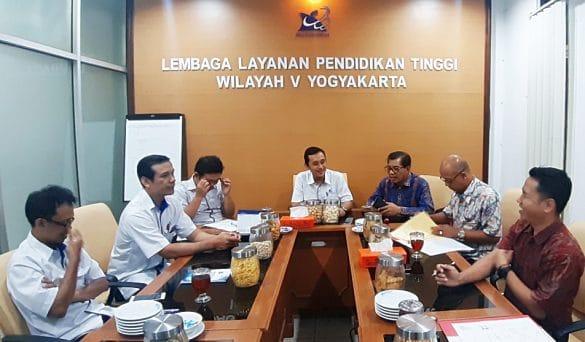 Penandatanganan MoU dan Serah Terima Aplikasi dengan APTISI Yogyakarta 1
