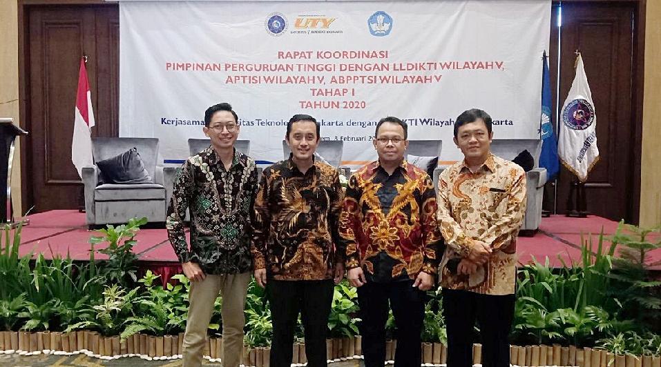 Launching Sistem Informasi Penilaian Angka Kredit Dalam RAKOR LLDIKTI V, APTISI, dan ABPPTSI Wilayah Yogyakarta