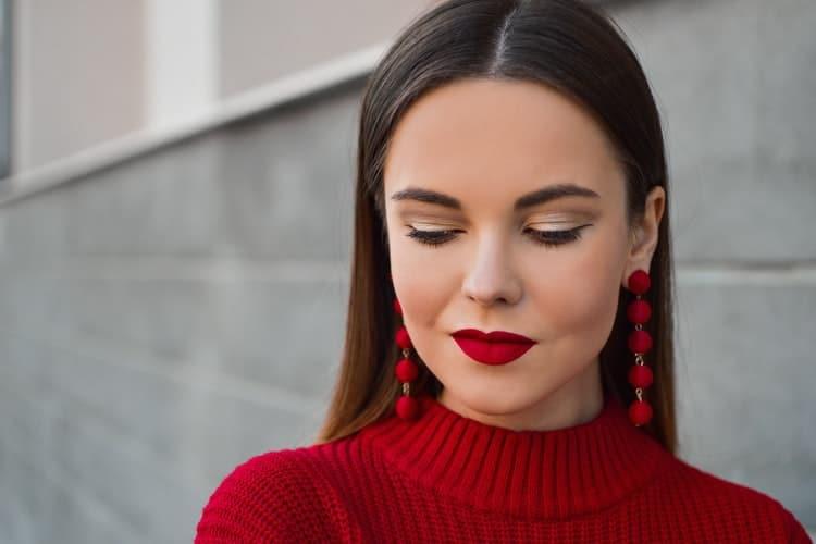 5 Tips Makeup Buat Meeting Sama Klien