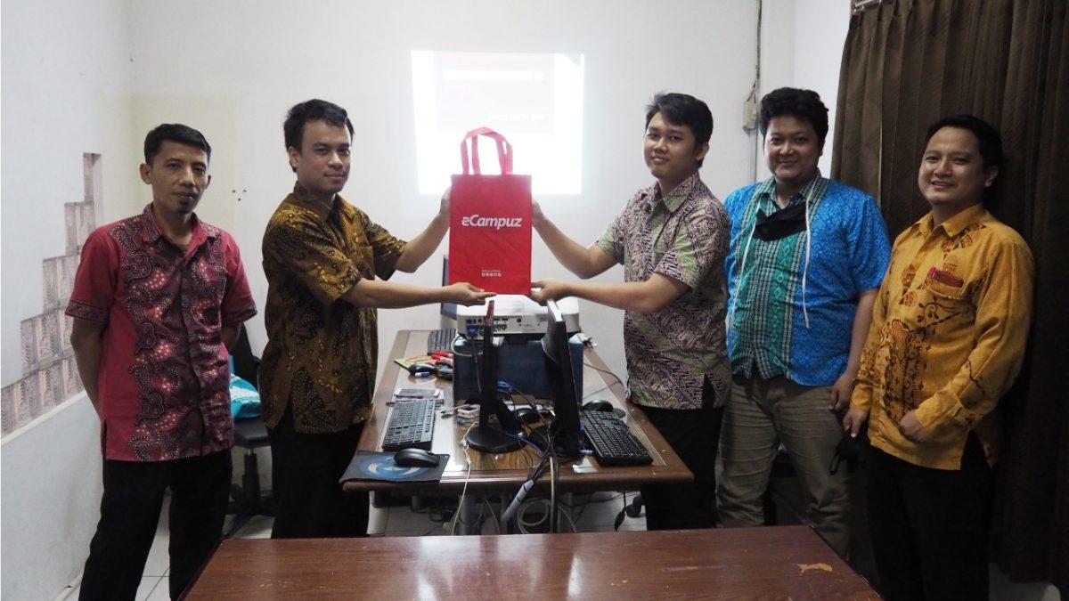Transfer Knowledge Framework di Universitas Teknokrat Indonesia Lampung
