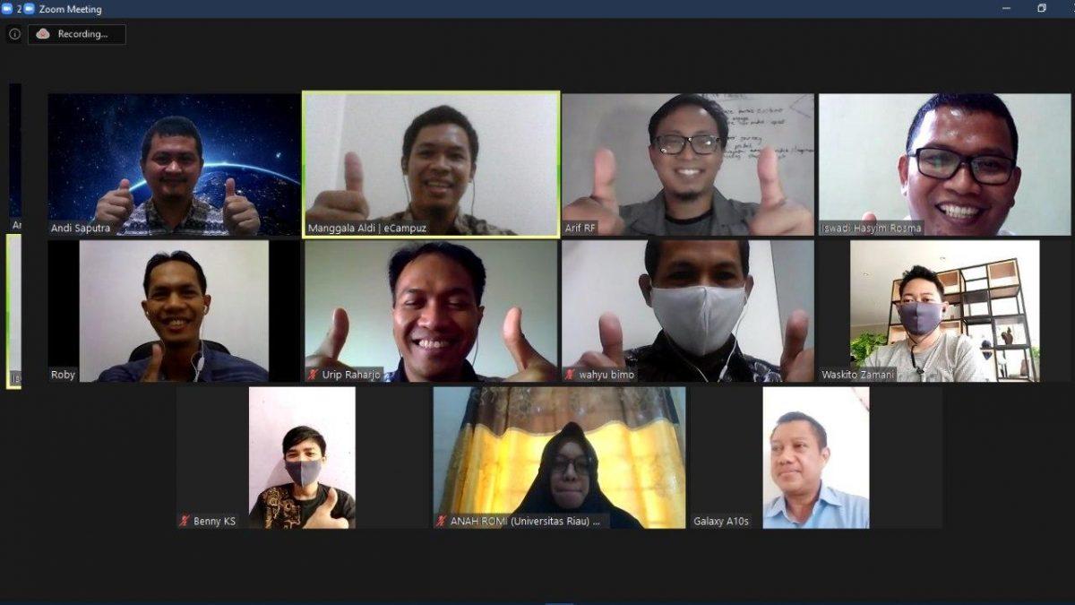Koordinasi Pengembangan Sistem Informasi Universitas Riau