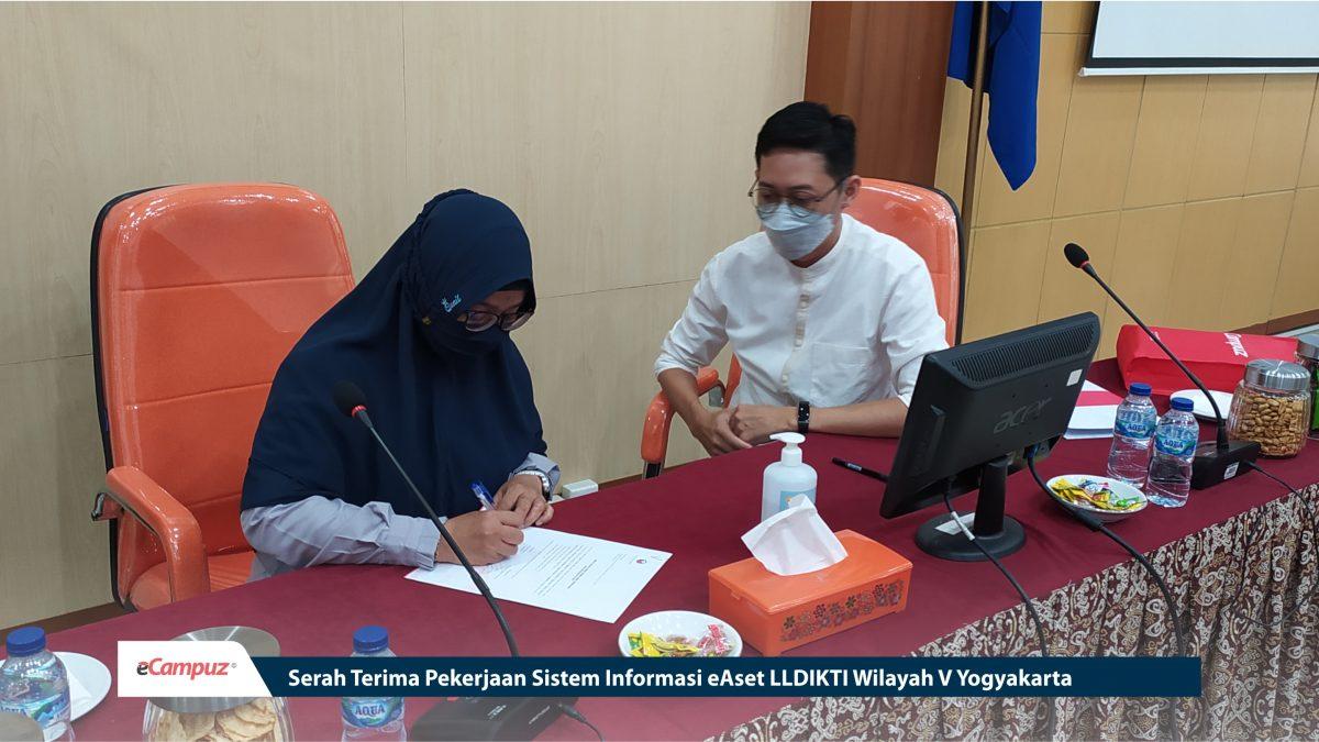 Serah Terima Pekerjaan Sistem Informasi eAset LLDIKTI Wilayah V Yogyakarta