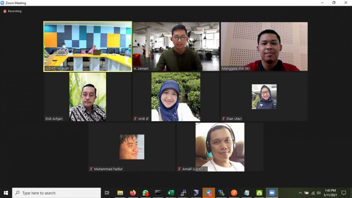 Serah Terima Pengadaan Jasa Pengembangan Sistem Informasi e-Dashboard LLDIKTI V Wilayah Yogyakarta